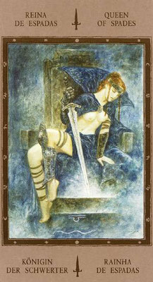 Reine d'Épées - Labyrinth Tarot