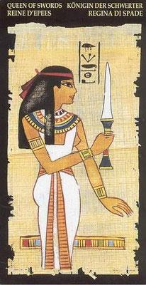 Reine d'Épées - Le tarot Égyptien