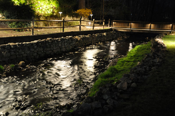 Before this installation, the streaming brook was only heard, but not seen in the evening. Now the soothing sound of rippling water is accompanied by a mesmerizing view of sparkling light reflections bouncing off the stream!