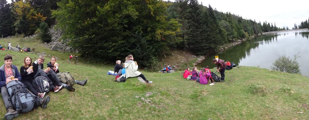 Pause déjeuner au bord du lac des Truites