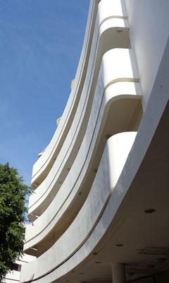 Tel_Aviv_BauhausArchitektur_Dizengov_Plaza