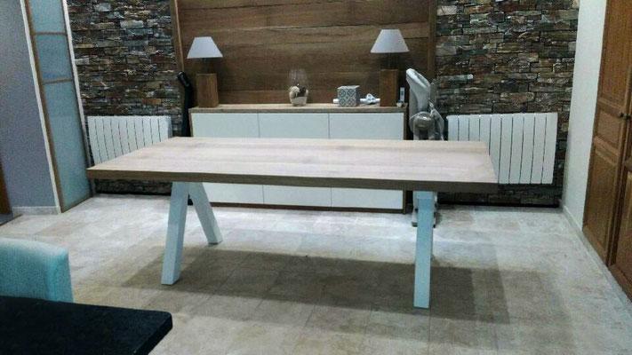 ARTMETA / Table Aubier / Chêne blanchi + Blanc Fine texture
