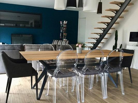 ARTMETA / Table Papillon 220 x 90 cm / Frêne olivier + RAL 7016