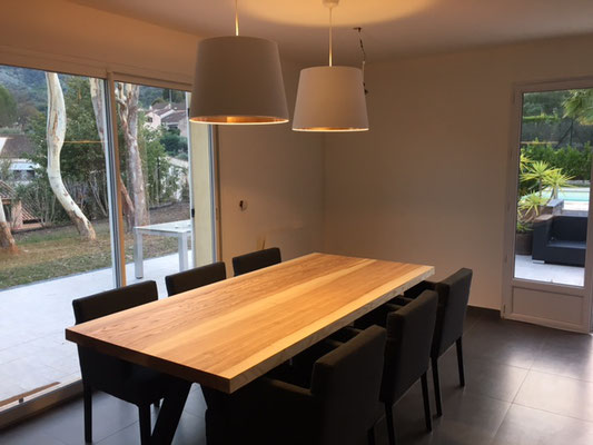 ARTMETA / Table Aubier 220 x 100 cm (bords droits) / Frêne olivier + Noir Fine texture
