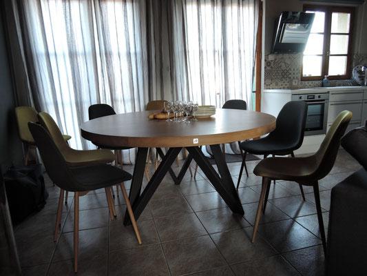 ARTMETA / Table M  Diamètre 150 cm / Chêne blanchi + Gris acier