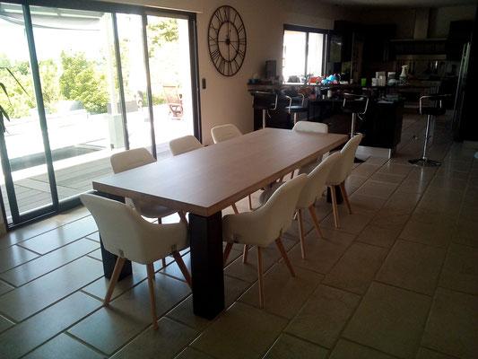 ARTMETA / Table Panorama  250 x 100 cm / Chêne blanchi + Manganèse