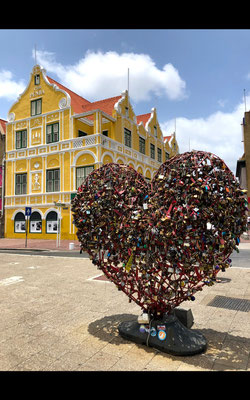 Much love from Curacao