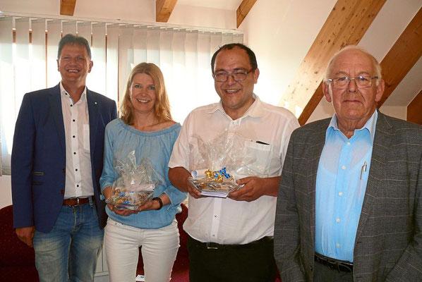 Otto Scherer (rechts) verabschiedet Achim Klaiber, Sabine Geiser und Markus Schnekenburger. Foto: Schwarzwälder Bote