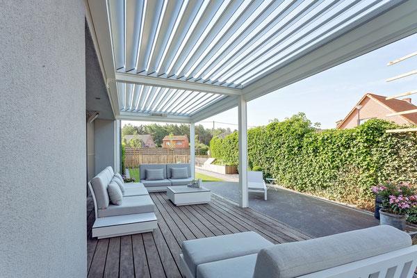 overkapping, screens, veranda, solis zonwering, soliszon, zonwering amsterdam, zonwering haarlemmermeer, buitenleven, tuininrichting, tuinoverkapping, lamellen