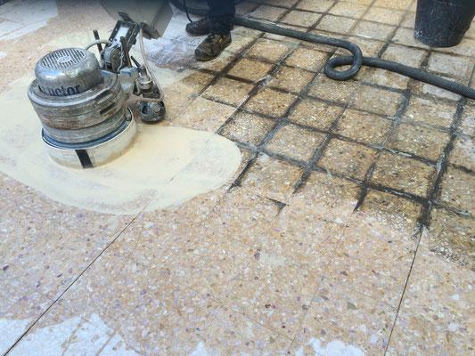 Vorher-Nachher Reinigung Terrassenboden