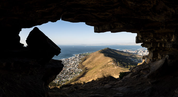 Lion's Head Watchman's cave towards Signal Hill, Capetown