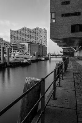Elbphilharmonie in Hamburg seen from Sandtorhafen