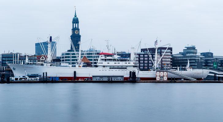 Long exposure of Cap San Diego in Hamburg at Landungsbrücken