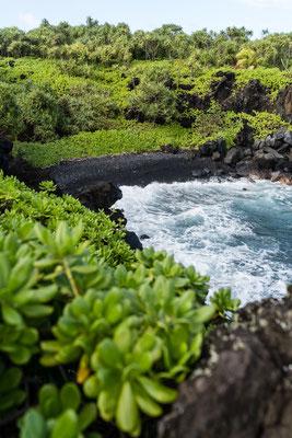 Black beach at Waiʻānapanapa State Park, Maui, Hawai'i Island, USA