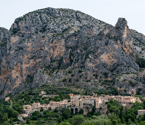 View towards Moustiers-Sainte-Marie
