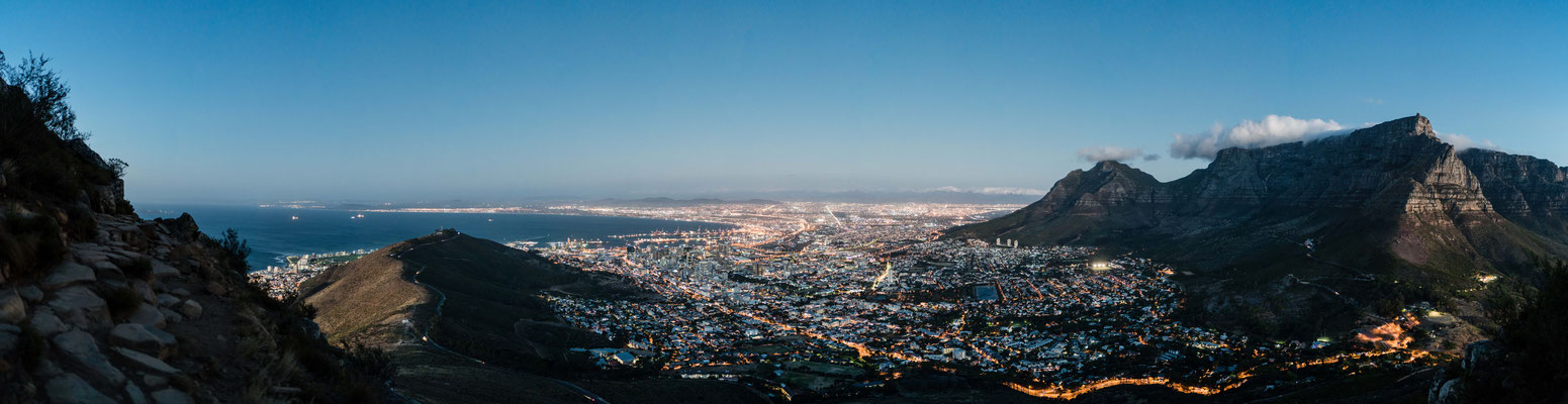 View from Signal Hill towards Table Mountain and Capetown city bowl, South Africa