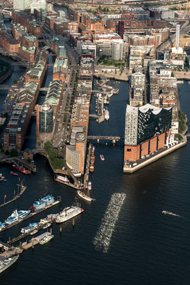Aerial of Elbphilharmonie front and Elbe river