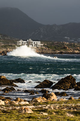 Rooi-Els seascape with waves, South Africa