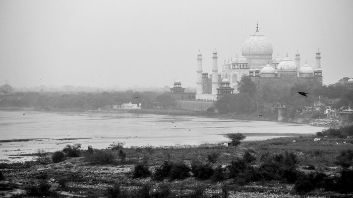 Long lense view towards Taj Mahal from the Agra Fort