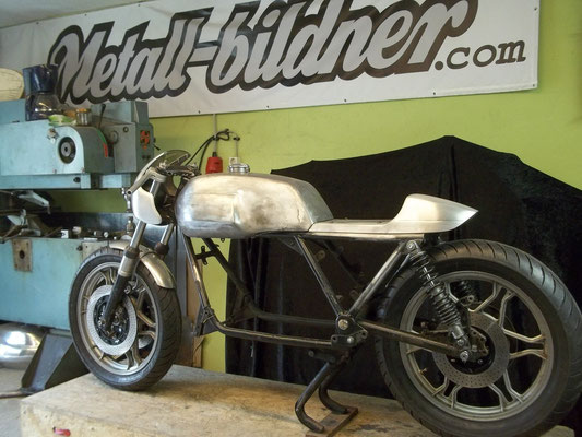 Moto Guzzi Stahltank Aulmaske Aluhöcker