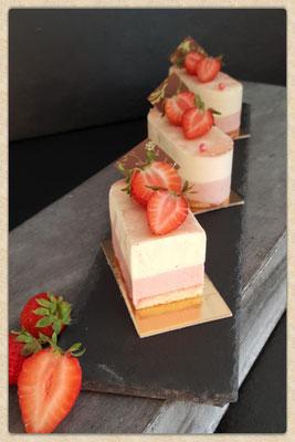 Erdbeer Vanille Sahnetörtchen. Vanille aus Tahiti. Stück 3,60 €.
