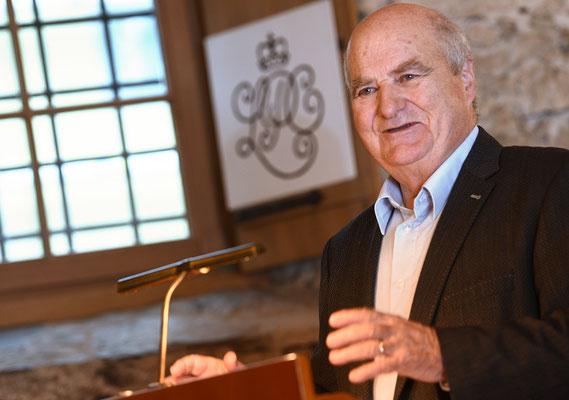 Juni 2000, Hans Brunhart, Präsident Vereinigung liecht. gemeinnütziger Stiftungen, zu Gast beim LPC