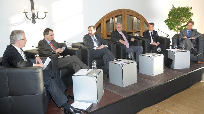 November 2009 Podiumsdukussionn mit Vertretern Bank, Treuhand und Wirtschaft