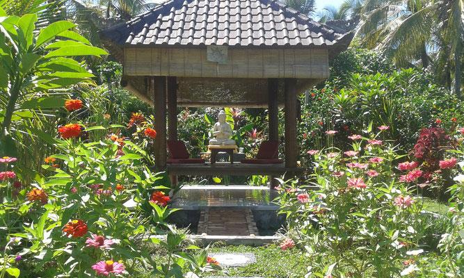 Bale Begong - relaxing area