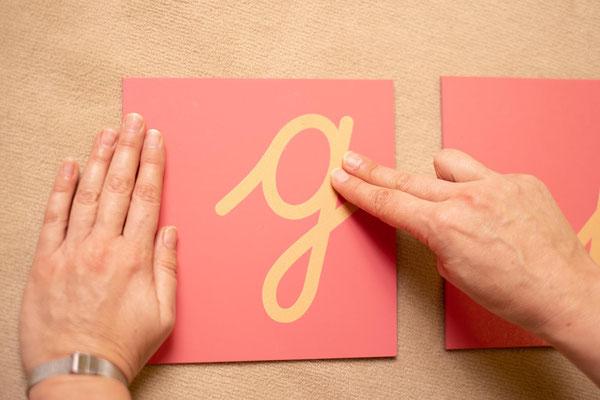 Sandpapierbuchstaben zum Ertasten und Erlernen der Schreibschrift
