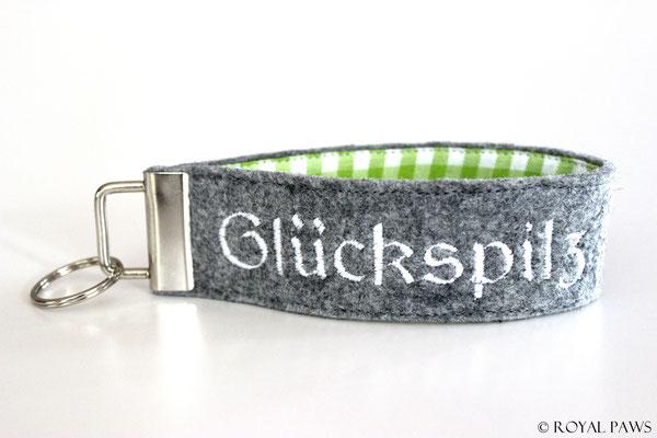Felt: light grey / Fabric: green-white checkered