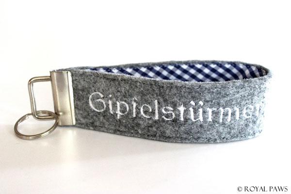 Felt: light grey / Fabric: dark blue-white checkered