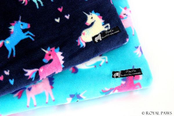 dark blue with unicorns / turquoise with unicorns