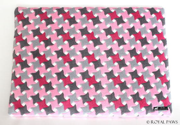 pink-grey Raute