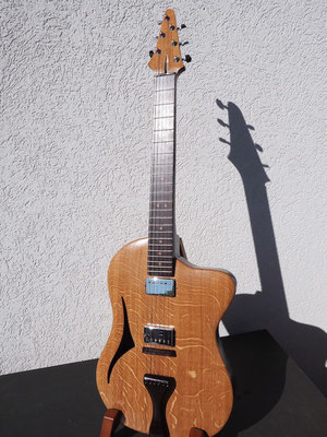 Halbakustische E-Gitarre aus Eiche und Wenge - www.bernd-oetzmann.de