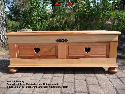 Holzkiste aus Birne und Elsbeere - Karina Ihlenburg