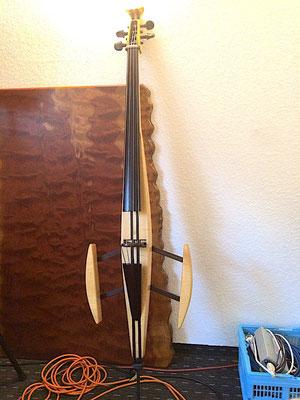 E-Cello Maple and Wenge - www.bernd-oetzmann.de
