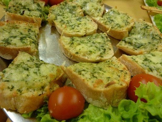 Knoblauchbrot-Käsebrot