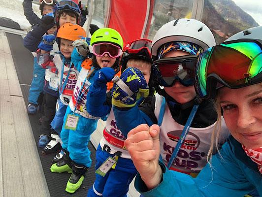 skikurs-skilehrerin-jenny-förderband-skizwerge-garmisch