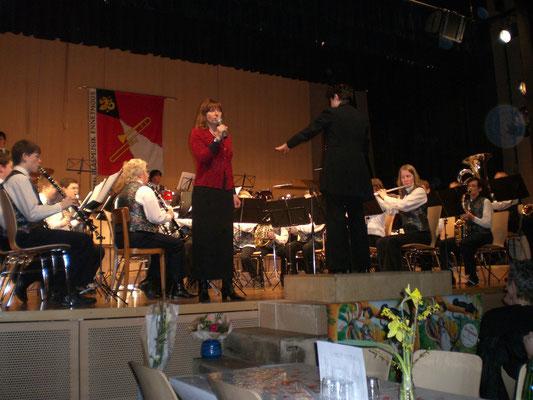 Um ein abwechslungsreiches Konzert darzubieten engagierten wir Monika Fässler.