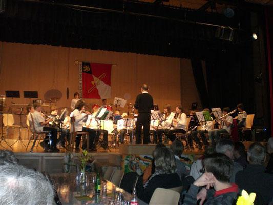 Herr Dietrich bedankte sich, nach den Musikstücken, im Namen der Beginners Band  bei den Zuschauern.