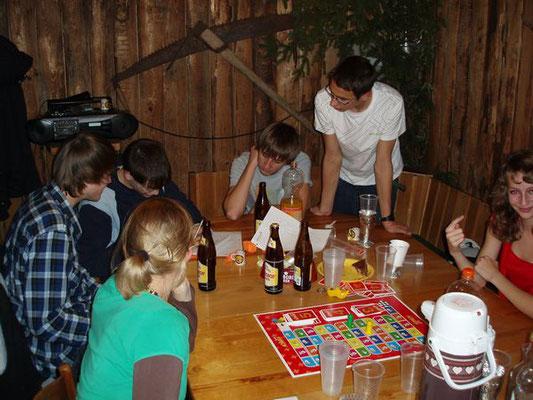 Beim Activity Spiel braucht es verschiedene Begabungen.