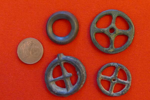 Radanhänger/ Ringgeld - Ringe wurden vermutlich als Geld genutzt (vor Einführung von Münzen)