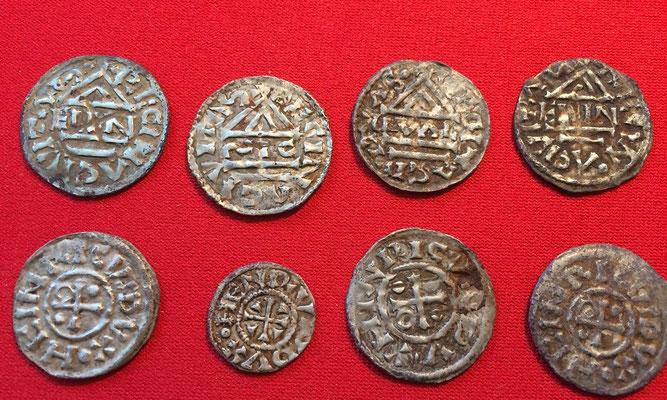 Rückseite: 7 Denare und 1 Obol von Heinrich II (985-995), verschiedene Münzmeister: GVAL, ECCO, ELLN, SIC