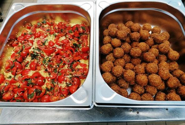 Fallafel mit Cous Cous Tomatensalat