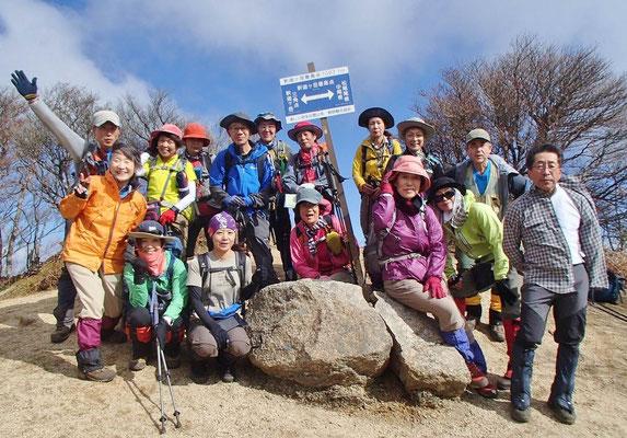釈迦ケ岳最高峰(1,097.1m)にて