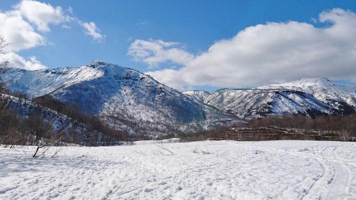 和田山牧場から野伏ケ岳
