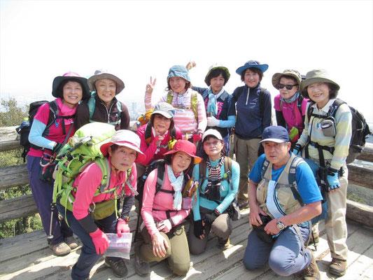 栂尾山(274m)  頑張って登った割りには標高は低い
