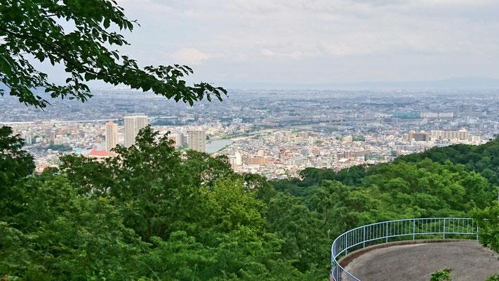 宝塚市街が一望の高台から