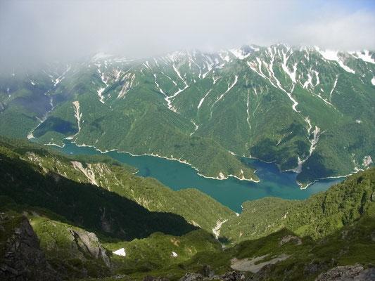 マヤクボノコルから立山と黒部湖