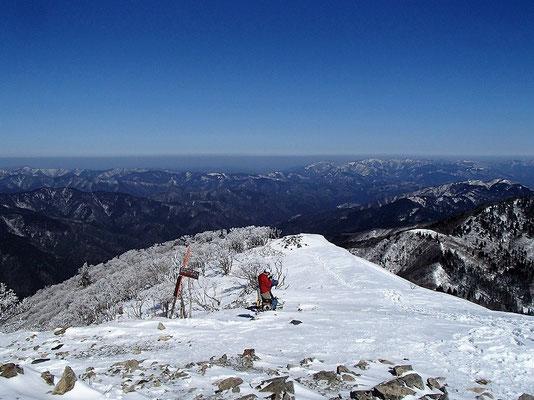 武奈ヶ岳山頂からの眺めです